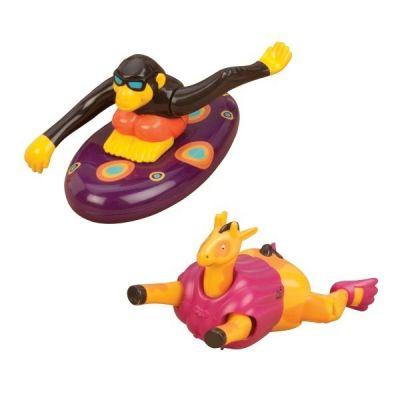 Đồ chơi bơi lội cùng hươu và khỉ